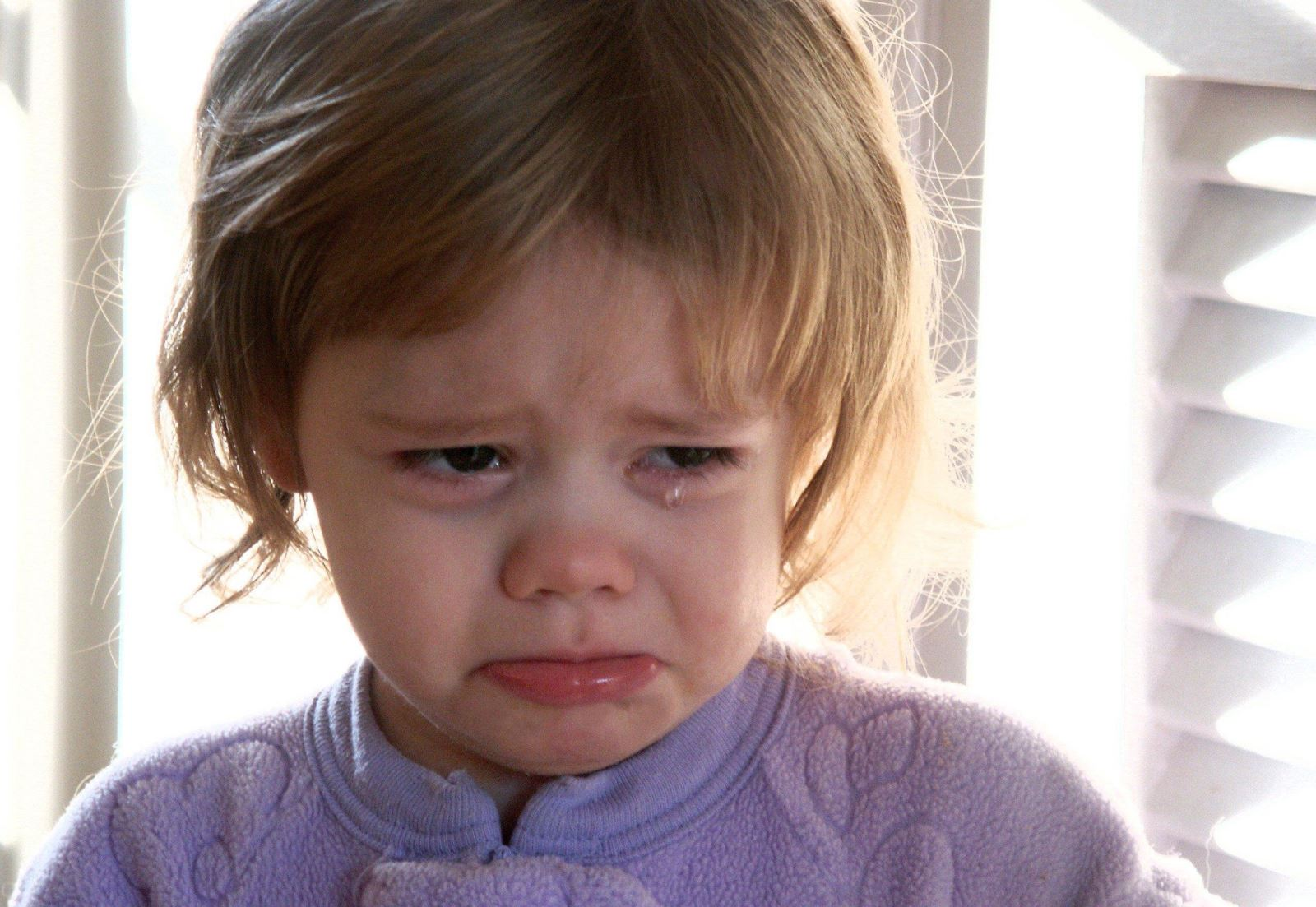 8 خطوات حتى لاتفقدى أعصابك نتيجة لبكاء طفلك المتواصل