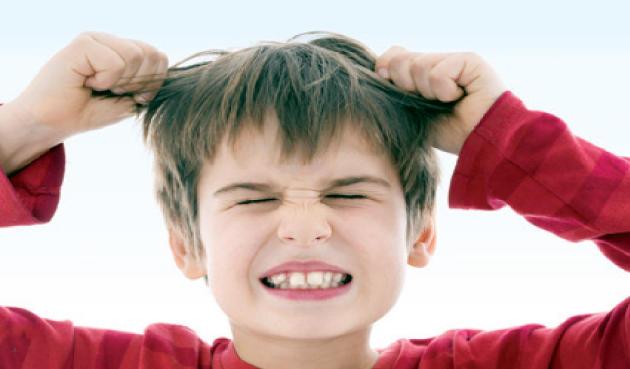 5 حيل لتتغلبي على نوبات غضب طفلك بالخارج