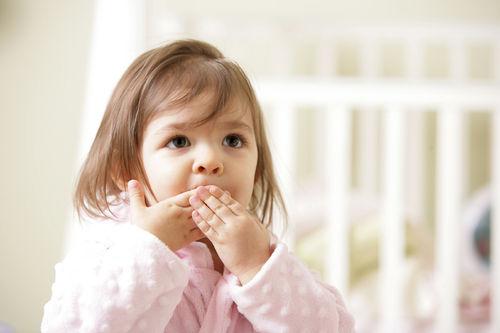 أفضل الطرق لمعالجة ألفاظ طفلك السيئة