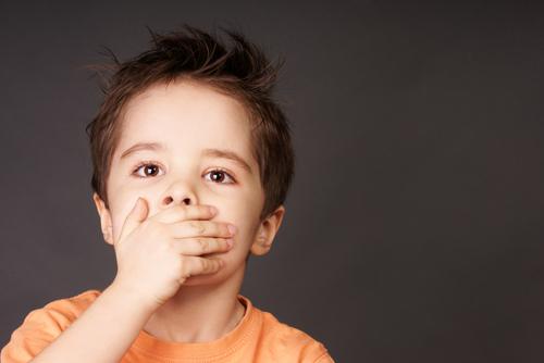 الاطفال والالفاظ السيئة