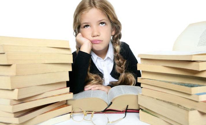 5 أساليب خاطئة فى المذاكرة مع أبنائك , إحذريها!